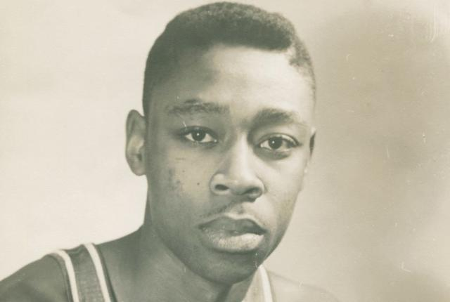 "Jim Tucker was a pioneering player for the NBA's <a class=""link rapid-noclick-resp"" href=""/nba/teams/philadelphia/"" data-ylk=""slk:Syracuse Nationals"">Syracuse Nationals</a>. (Courtesy of the Tucker family)"