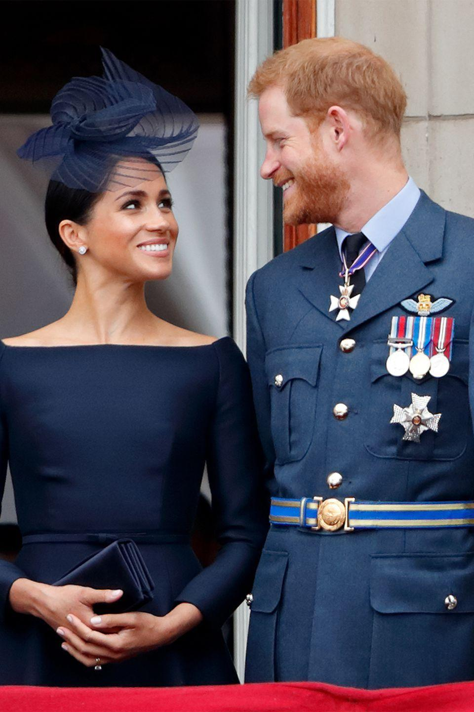 <p>That gaze! The Duke and Duchess of Cambridge only had eyes for each other on the balcony of Buckingham Palace to celebrate the 100th birthday of the RAF. </p>