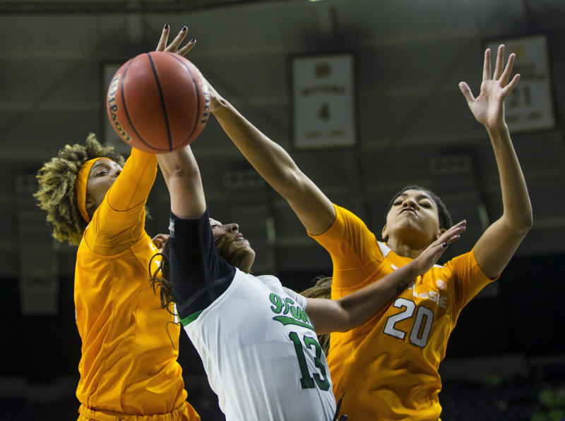 Davis' 33 points, 10 boards lead Lady Vols past No. 15 Irish