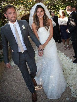 """<p>The beautiful Victoria's Secret model sported a mermaid-style gown by Vera Wang when she married Caleb Followill from King of Leon in May this year.  <a rel=""""nofollow"""" href=""""http://au.lifestyle.yahoo.com/health/galleries/photo/-/9800613/celebrity-wedding-diets/9800614/"""">GALLERY: Celebrity wedding diets</a></p>"""