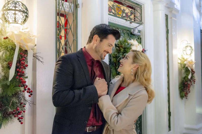 Christmas At Graceland 2018 Hallmark Poster.Hallmark Is Returning To Graceland
