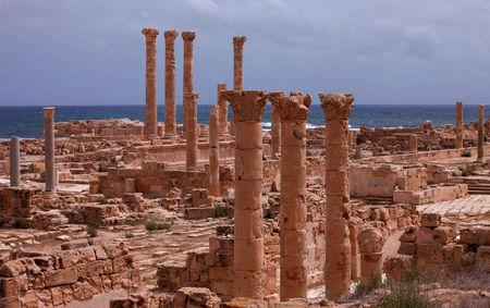 Old Roman ruins stand in the ancient archaeological site of Sabratha on Libya's Mediterranean coast, June 1, 2013. REUTERS/Ismail Zitouny/File Photo