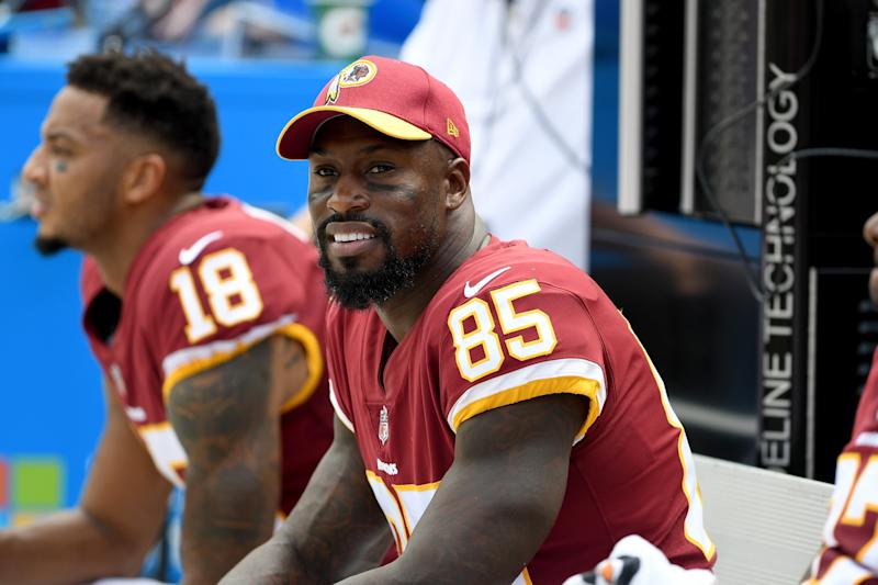 Vernon Davis nabbed a bit of the Super Bowl spotlight to announce his retirement.(Photo by G Fiume/Getty Images)