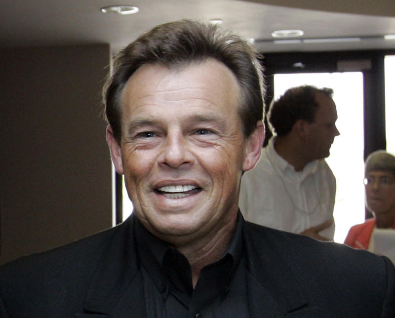 """FILE - This Sept. 5, 2007 file photo shows country singer Sammy Kershaw at the Secretary of State's office in Baton Rouge, La. Kershaw's tour bus was struck by another vehicle on Friday, Nov. 2, 2012 in Nocona, Texas. The impact caused major damage to the bus, and the car was totaled. The driver of the car was hospitalized with injuries. Kershaw and the nine members of his band and crew were shaken and sore but not seriously hurt. Kershaw scored major hits in the early 90s, including """"She Don't Know She's Beautiful"""" and """"I Can't Reach Her Anymore."""" He has sold over five million albums. (AP Photo/Alex Brandon, file)"""