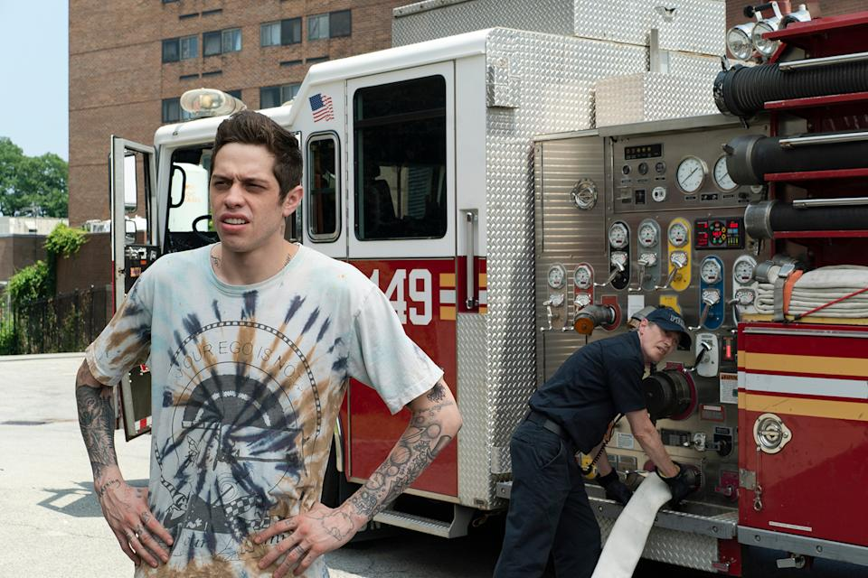 (from left) Scott Carlin (Pete Davidson) and Papa (Steve Buscemi) in The King of Staten Island, directed by Judd Apatow. Credit: Mary Cybulski / Universal Pictures