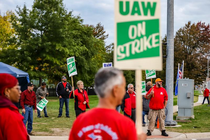 The UAW autoworkers rally at the General Motors Technical Center in Warren, Mich. for Solidarity Friday on Oct. 11, 2019.