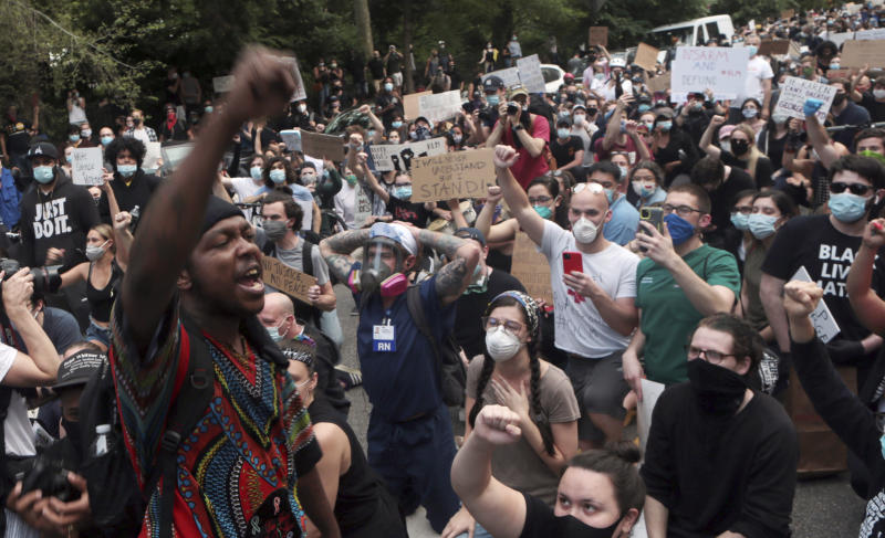 NEW YORK, NY: JUNE 3: Day 7 Protest of George Floyd's death and the second day of the 8pm curfew imposed by New York City as protestors converged upon Gracie Mansion in a peaceful march on June 3, 2020 on the New York City's Upper East Side. Credit: mpi43/MediaPunch /IPX