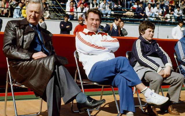 <span>Nigel Clough sits alongside his father Brian and his assistant duringNottingham Forest's 1-0 defeat toNacional at the 1980 World Club Championship in Tokyo, Japan</span> <span>Credit: Getty Images </span>