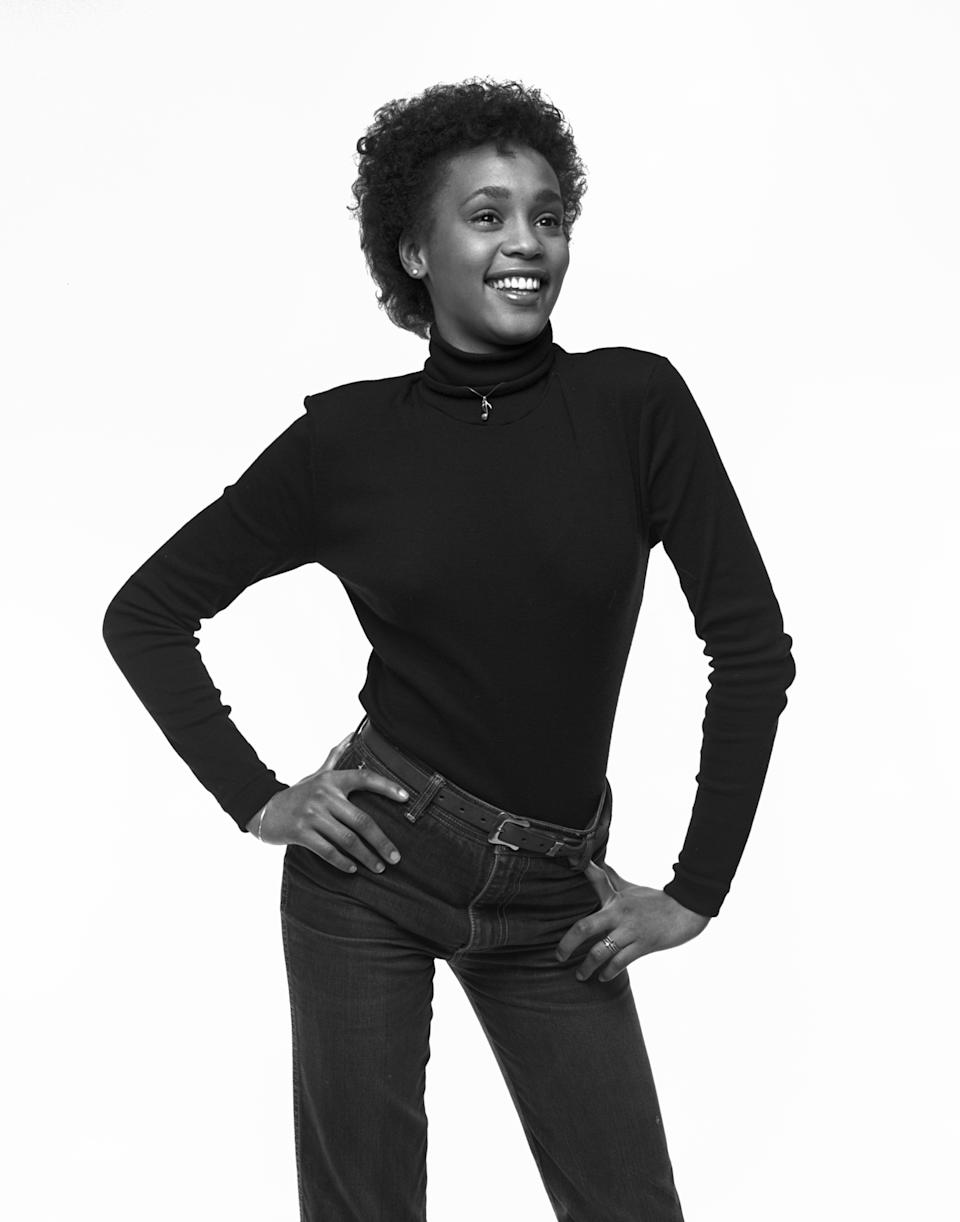 Singer Whitney Houston photographed in February 1982 when she was a senior in high school (her first session with a professional photographer).  (Photo by Jack Mitchell/Getty Images)