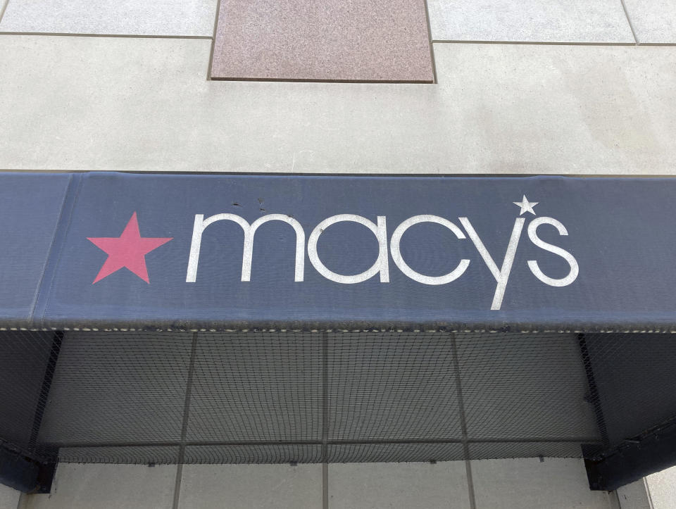 FEBRUARY 23rd 2021: Macy's holiday sales top estimates, lifting the company to its first profitable quarter since the onset of the coronavirus pandemic. - File Photo by: zz/STRF/STAR MAX/IPx 2021 1/17/21 Businesses and industry in Downtown, Washington, D.C. on January 17, 2021 during the worldwide coronavirus pandemic. While many of the larger corporations have managed to navigate the financial storm caused by the pandemic, other retailers have struggled to stay in business. Here, Macy's department store. (Washington, D.C.)
