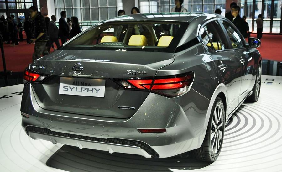 <p>It sports the new look design language from Nissan with a 'V' shape grille and low slung proportions with the wheels pushed for a wider stance. The rear similarly has large and wide tail-lamps for a planted appearance. The Sylphy ain't shy-looking for sure… </p>