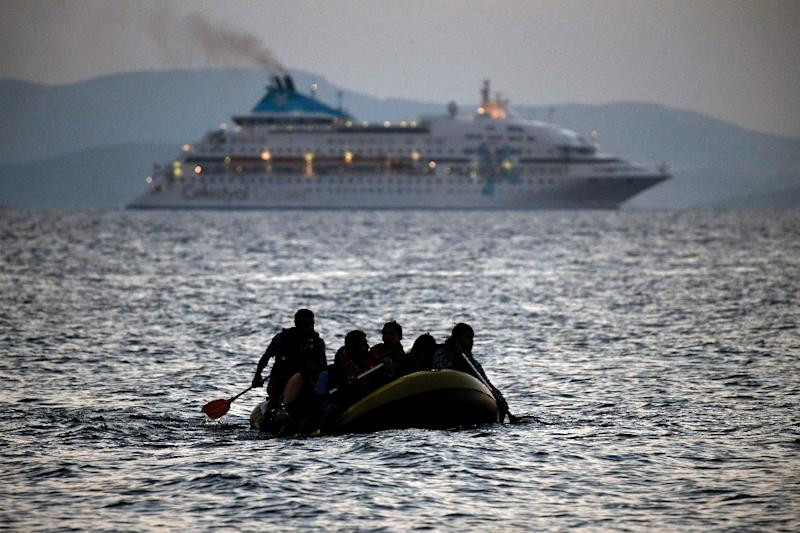 More than 850,000 migrants, fleeing war and poverty in the Middle East and elsewhere, transited through Greece last year on their way to northern Europe (AFP Photo/Angelos Tzortzinis)
