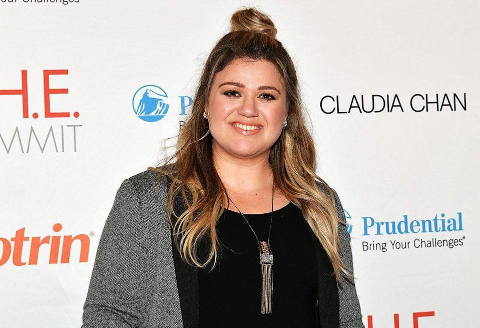 """<p>Kelly Clarkson clapped back at a body-shamer who made an remark about her weight while she was celebrating the 4th July on social media.</p><p>When the troll comented on her weight, calling her fat, she replied with the <a href=""""https://twitter.com/kelly_clarkson/status/882430011084599296"""" rel=""""nofollow noopener"""" target=""""_blank"""" data-ylk=""""slk:tweet"""" class=""""link rapid-noclick-resp"""">tweet</a>: """"....and still f**king awesome."""" </p>"""