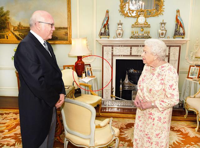 Queen Elizabeth II meeting with George Brandis, the Australian high commissioner to the United Kingdom. (Photo: Getty Images)