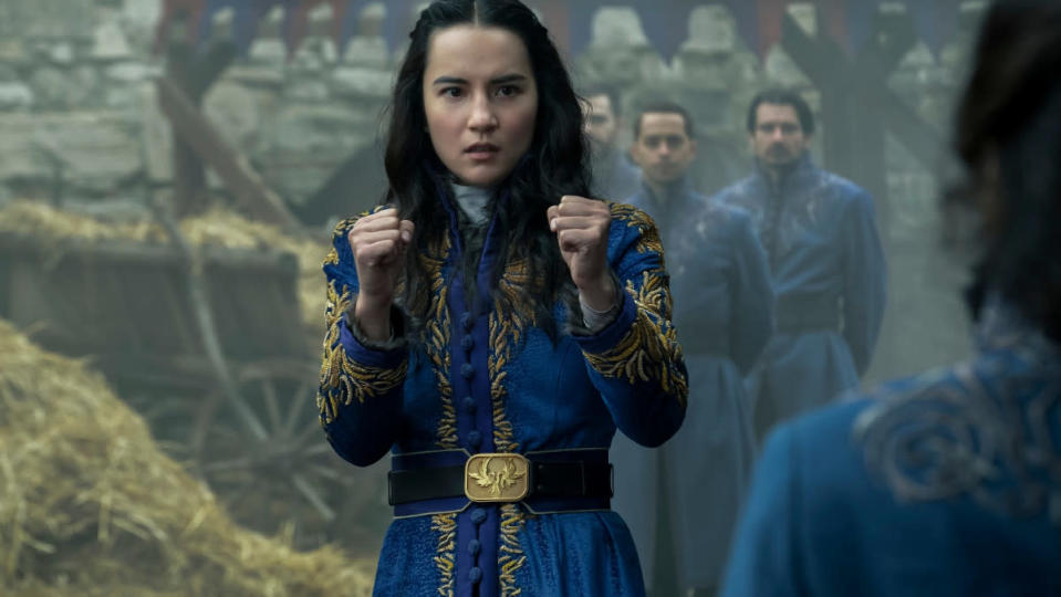 Alina holds her fists up in Shadow and Bone