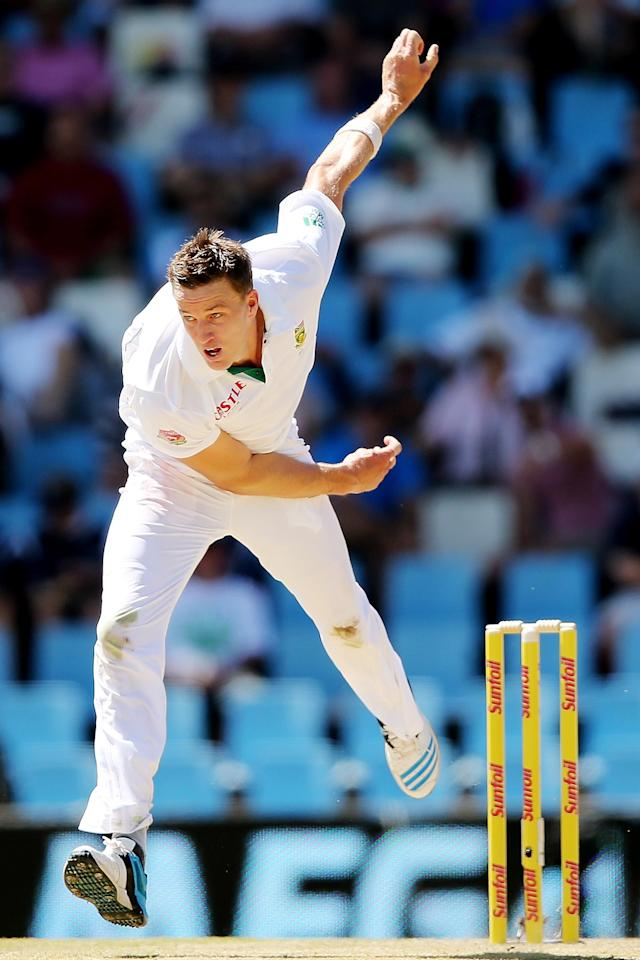 CENTURION, SOUTH AFRICA - FEBRUARY 12: Morne Morkel of South Africa bowls during day one of the First Test match between South Africa and Australia on February 12, 2014 in Centurion, South Africa. (Photo by Morne de Klerk/Getty Images)