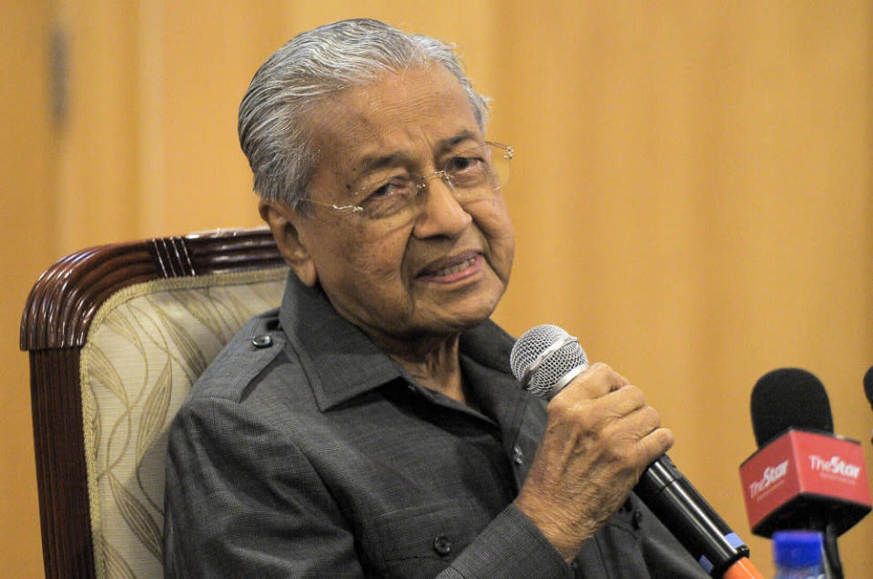 Tun Dr Mahathir said he hopes the Perikatan Nasional administration under Tan Sri Muhyiddin Yassin would give more weight to the doctors' opinions, as they are experts in their fields. — Picture by Shafwan Zaidon