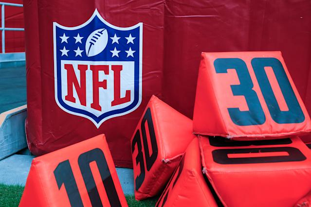 "GLENDALE, AZ - SEPTEMBER 08: The NFL logo and yard markers before the NFL football game between the <a class=""link rapid-noclick-resp"" href=""/nfl/teams/detroit/"" data-ylk=""slk:Detroit Lions"">Detroit Lions</a> and the <a class=""link rapid-noclick-resp"" href=""/nfl/teams/arizona/"" data-ylk=""slk:Arizona Cardinals"">Arizona Cardinals</a> on September 8, 2019 at State Farm Stadium in Glendale, Arizona. (Photo by Kevin Abele/Icon Sportswire via Getty Images)"