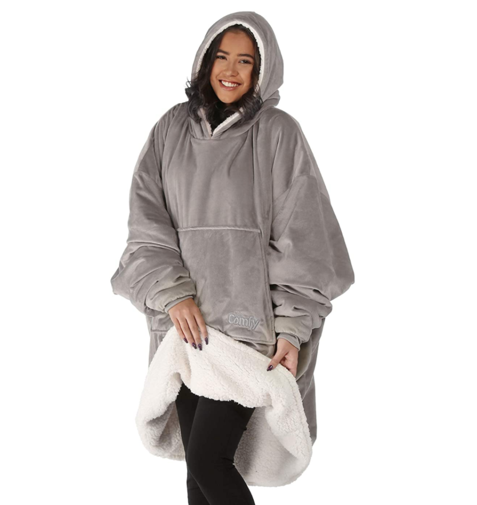 The Comfy hooded blanket