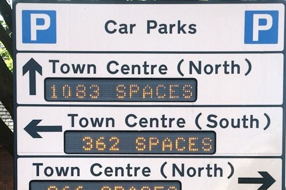 A9F939 Southend on Sea electronic sign indicating location of car parks and numbers of parking spaces