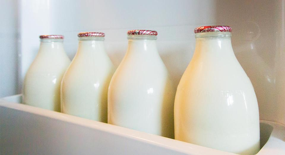 Milk bottles will have colour-changing labels to indicate whether the fridge is too warm. [Photo: Getty]