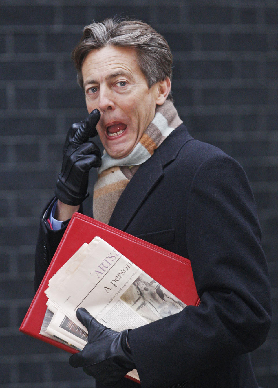 Britain's Culture Secretary Ben Bradshaw gestures as he arrives to attend the weekly Cabinet meeting at 10 Downing Street in central London January 12, 2010.  REUTERS/Luke MacGregor      (BRITAIN - Tags: POLITICS ENTERTAINMENT)