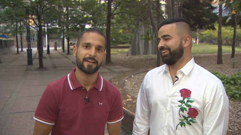 2 friends test the kindness of Canadians by travelling coast to coast with no money