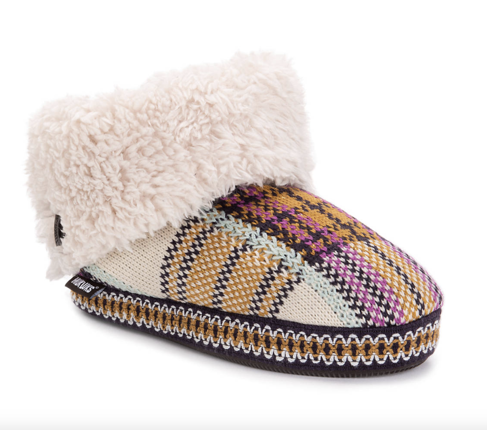 """<p><strong>Muk Luks</strong></p><p>dsw.com</p><p><strong>$24.99</strong></p><p><a href=""""https://go.redirectingat.com?id=74968X1596630&url=https%3A%2F%2Fwww.dsw.com%2Fen%2Fus%2Fproduct%2Fmuk-luks-melinda-bootie-slipper%2F416768&sref=https%3A%2F%2Fwww.seventeen.com%2Ffashion%2Fg32434960%2Fcute-slippers%2F"""" rel=""""nofollow noopener"""" target=""""_blank"""" data-ylk=""""slk:Shop Now"""" class=""""link rapid-noclick-resp"""">Shop Now</a></p><p>This plaid/sherpa combo is so effing chic, they deserve a spot on your IG grid. </p>"""