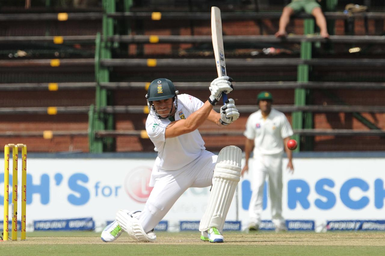 JOHANNESBURG, SOUTH AFRICA - FEBRUARY 01: (SOUTH AFRICA) Faf du Plessis of South Africa during day 1 of the first Test match between South Africa and Pakistan at Bidvest Wanderers Stadium on February 01, 2013 in Johannesburg, South Africa. (Photo by Lee Warren/Gallo Images/Getty Images)
