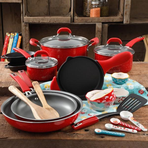 Save a whopping $71 on this gorgeous, all-inclusive set (Photo: Walmart)