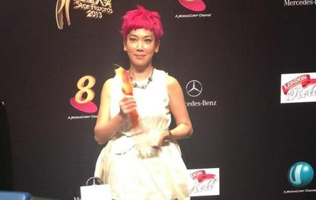 Spunky flame-haired Kym Ng won Best Variety Show Host on Sunday. She was the only female nominee (Yahoo! Photo / Elizabeth Soh)