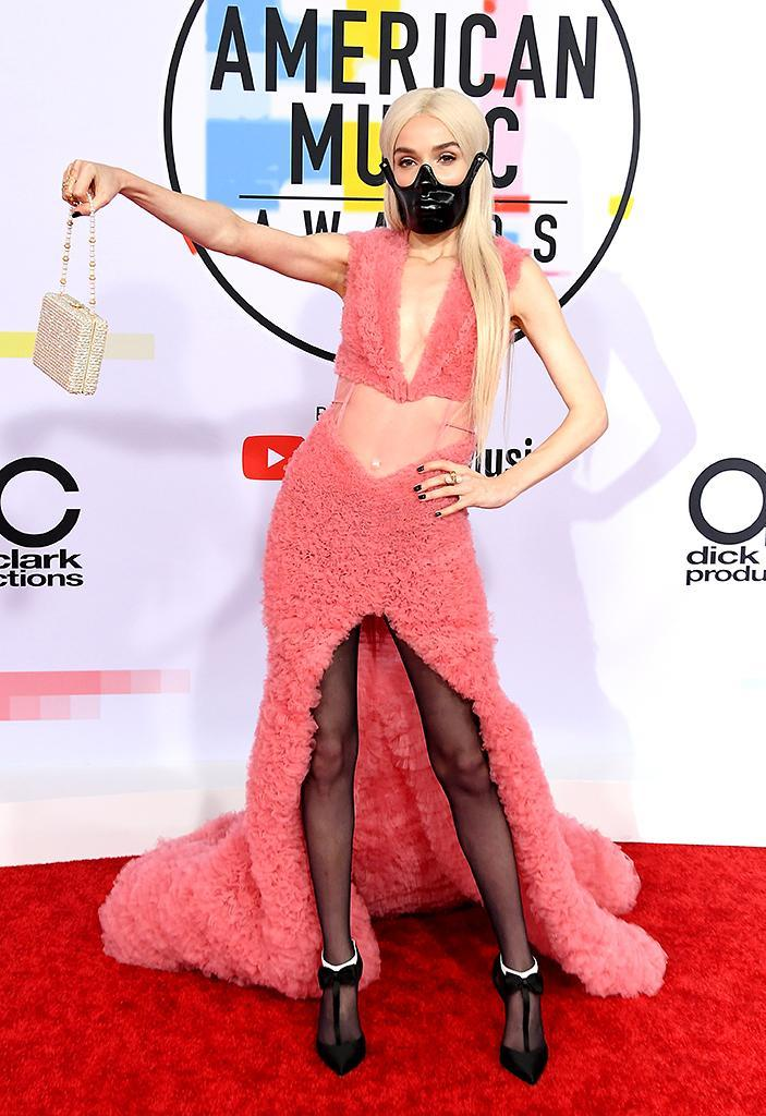 <p>Poppy attends the 2018 American Music Awards at Microsoft Theater on Oct. 9, 2018, in Los Angeles. (Photo: Steve Granitz/WireImage) </p>