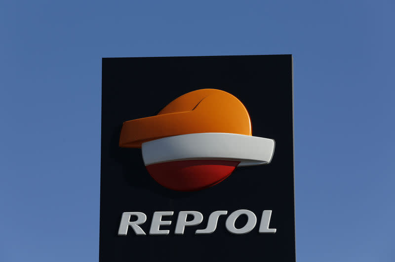 FILE PHOTO: A Repsol logo at a petrol station in Bormujos near the Andalusian capital of Seville, southern Spain March 3, 2016. REUTERS/Marcelo del Pozo