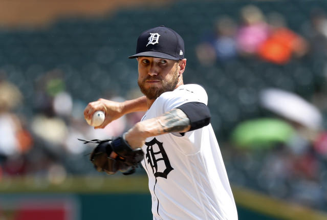 "Detroit Tigers closer <a class=""link rapid-noclick-resp"" href=""/mlb/players/9670/"" data-ylk=""slk:Shane Greene"">Shane Greene</a> is racking up saves, but some advanced metrics suggest he could be a player to fade. (AP Photo/Paul Sancya)"