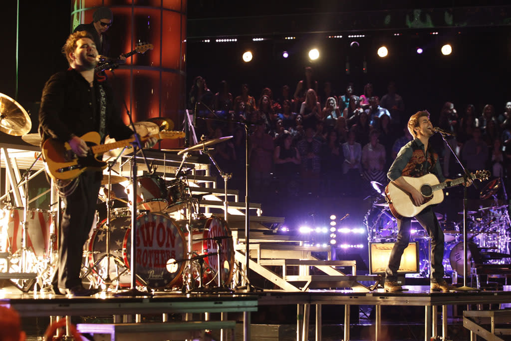 "The Swon Bros perform ""Turn the Page"" on the ""Live Semi-Final Performances"" episode of ""The Voice"" Season 4."