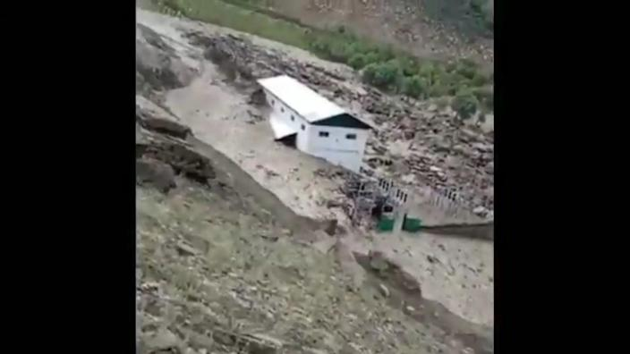A cloudburst in Kishtwar district in Jammu and Kashmir on Wednesday led to floods that destroyed bridges and homes, claiming seven lives  (Screengrab/ Twitter)
