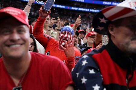 """Supporters cheer """"four more years"""" as U.S. President Trump rallies in Dallas, Texas"""