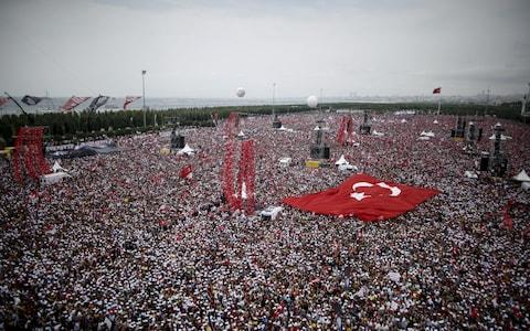 A vast crowd gathered for the opposition's final rally before Sunday's elections - Credit: Kostas Tsironis/Bloomberg