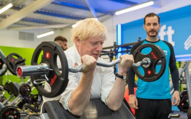 Prime Minister visits gym in constituency
