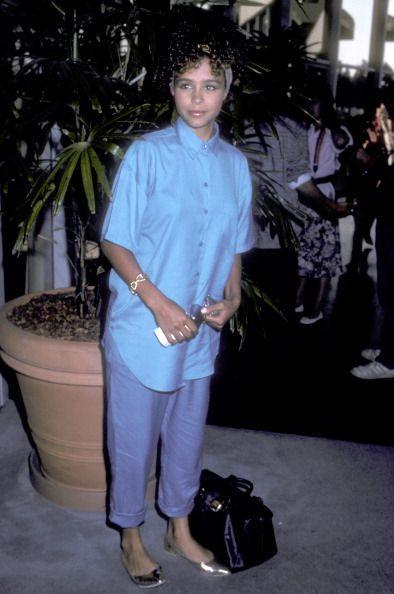 <p>Blue on blue—1986 was a monochromatic time.</p>