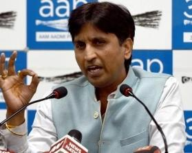 Arvind Kejriwal vs Kumar Vishwas? Twitter wonders if AAP leader is joining BJP