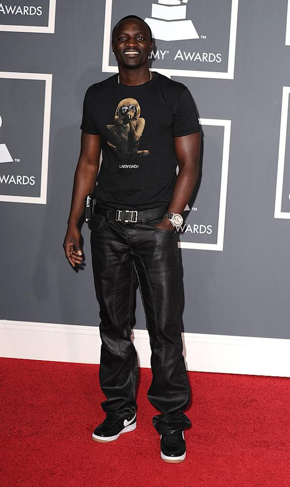 "Akon  Grade: B+   Akon's ensemble was uber casual, but the rapper scored points with us for rockin' a fun Lady Gaga tee. Steve Granitz/<a href=""http://www.wireimage.com"" target=""new"">WireImage.com</a> - January 31, 2010"