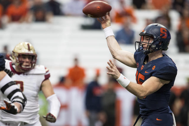 "Syracuse quarterback <a class=""link rapid-noclick-resp"" href=""/ncaaf/players/263400/"" data-ylk=""slk:Rex Culpepper"">Rex Culpepper</a> throws during a game against Boston College. He was diagnosed with cancer in March. (Getty)"