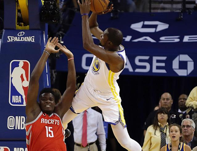 "Clint Capela and <a class=""link rapid-noclick-resp"" href=""/nba/players/4244/"" data-ylk=""slk:Kevin Durant"">Kevin Durant</a> are turning up the heat on a budding rivalry. (AP)"