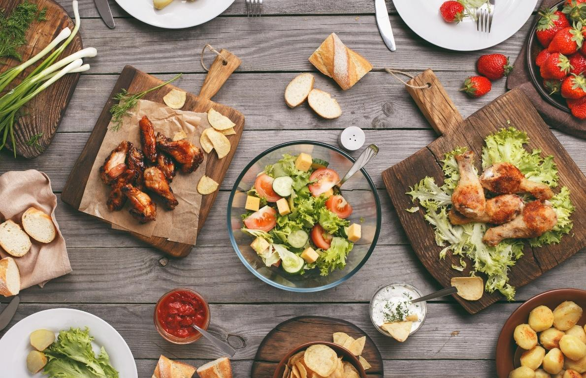 <p>To help put your mind at ease, we pulled together quick and easy tips to throw a Memorial Day cookout that your friends and family will rave about for weeks to come. To go along with each tip, we've also provided a recipe so that your menu planning is as painless as possible.</p>