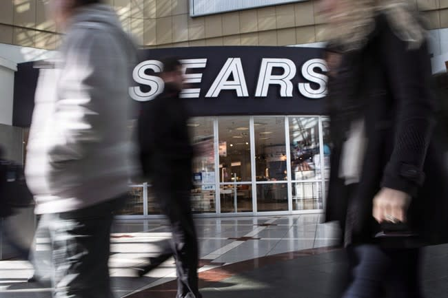 Sears Canada deepens cuts with another 800 layoffs in repair parts and services
