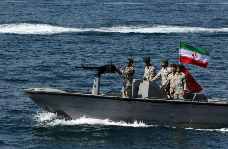 """Iranian soldiers take part in """"National Persian Gulf day"""" in the Strait of Hormuz on April 30, 2019"""