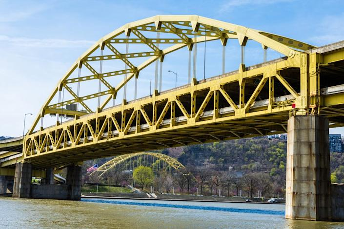 liberty bridge pittsburgh