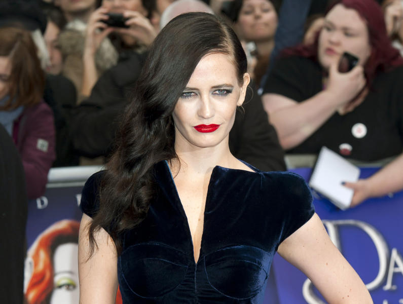 """FILE - This May 9, 2012 file photo shows actress Eva Green at a premiere of """"Dark Shadows,"""" at a central London cinema. Showtime announced Tuesday, July 30, 2013, that Josh Hartnett and Eva Green have been cast in the period thriller """"Penny Dreadful."""" Hartnett will play an American who finds danger in Victorian London in the drama, which Showtime described as a psychological thriller. Green, who starred in the James Bond film """"Casino Royale,"""" plays a beautiful woman who carries secrets and risk. It begins filming this fall for a scheduled 2014 debut on Showtime. (AP Photo/Jonathan Short, File)"""