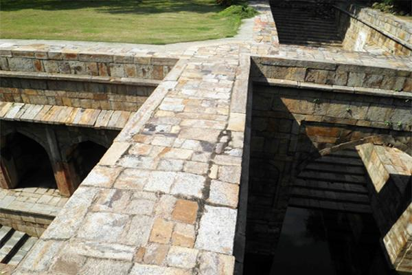 The nearly inaccessible baoli within Red Fort